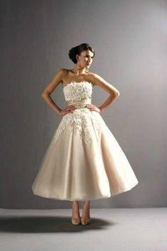 #pinup #weddingdress | ricardo.gr   #weddedperfection @Wedded Perfection