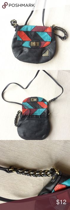 Roxy Girl multi- colored small purse Roxy Girl multi- colored small purse in good condition. Cross-body style. Perfect size for cell phone, bank cards, lip gloss! 💋 Roxy Bags Crossbody Bags