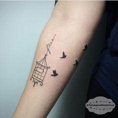 Gaiola / Birdcage / Livre / Pássaros / Birds • Tattoo Artist:  @Formigonink . ℐnspiraçãoℐnspiration . . #tattoo #tattoos #tatuagem  #tatuaje #ink #tattooed #tattooedgirls #free #birds #birdcage #TatuagensFemininas