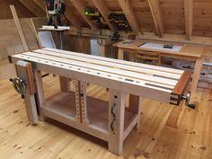 Split-Top Roubo Workbench - The Wood Whisperer Guild Woodworking Mallet, Woodworking Bench, Woodworking Shop, Woodworking Projects Diy, Wood Projects, Diy Easel, Workbench Plans, Built In Bench, Workshop Ideas