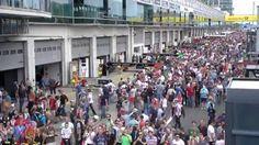 BILD live bei der DTM am Nürburgring im Pitwalk. BILD-Reporterin Jessica Abt spricht mit Ex-DTM-Fahrer Harald Grohs über das Qualifying und das anstehende Rennen.