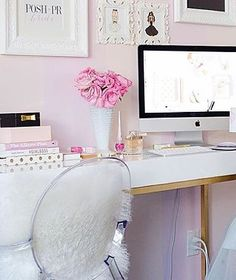 Girlbosses should always be surrounded by pretty things especially in their #girlcave or desk!! . By @thecarolinedoll #girlboss #Girlyoffice #glamoffice #glam#prettythings #meangirls #college #DeskDiva #desklife #deskdecor
