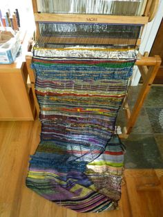 -beautiful weaving with scrap yarn--what a good idea for those 5 bags of scraps and small balls of yarn I gathered up.oh, and those 20 or so bobbins filled with yarn from who knows what projects. Weaving Textiles, Weaving Art, Weaving Patterns, Loom Weaving, Tapestry Weaving, Hand Weaving, Types Of Weaving, Peg Loom, Weaving Projects