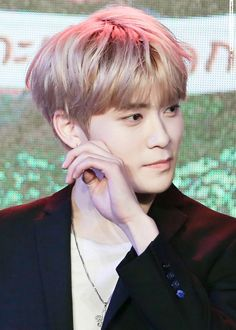 I'm facepalming myself so hard, cause I've staned the entire vocal line in NCT U and 127..