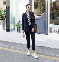22 Super ideas clothes for women office blazers Casual Work Outfits, Simple Outfits, Chic Outfits, Office Fashion, Work Fashion, Asian Fashion, Boho Fashion Summer, Summer Fashion Outfits, Look Oxford