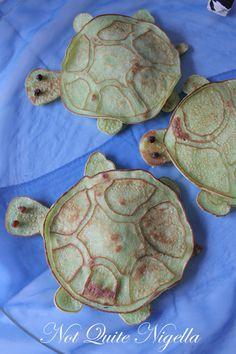 turtle shaped pancakes, gotta make these!