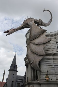 63 Photos Of Universal's Diagon Alley That Potterheads Need To See…So awesome!