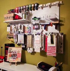 Craft room (Use a pegboard to organize your craft supplies. From Club CK and Creating Keepsakes magazine. Pegboard Organization, Scrapbook Organization, Scrapbook Storage, Organizing Tips, New Crafts, Home Crafts, Creating Keepsakes, Craft Room Storage, Craft Rooms