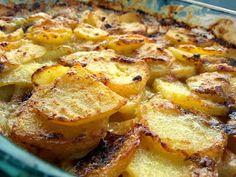 Polkkapossu: Miten tehdään parhaat kermaperunat? Pastry Cake, Hawaiian Pizza, Potato Recipes, Hamburger, Side Dishes, French Toast, Pork, Food And Drink, Cooking Recipes