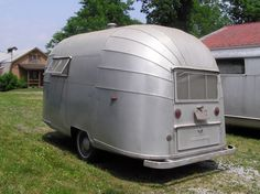 Year: 1956 - Make: Caravel Airstream - Model: Bubble - Length: ? - Note: Only 24 made Classic Trailers, Tiny Trailers, Vintage Campers Trailers, Airstream Trailers, Trailers For Sale, Vintage Rv, Vintage Airstream, Vintage Style, Travel Trailer Accessories