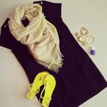 A simple shift dress w/ pops of neon. Dress #f21, sandals and scarf #f21, jewels #stelladot #ootd #currentlywearing