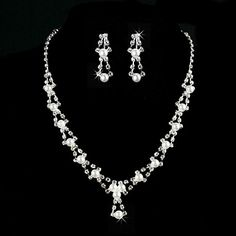 Amazing Alloy With Rhinestone / Imitation Pearl Women's Jewelry Set Including Necklace, Earrings – AUD $ 32.43