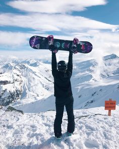 Snowboarding Girl New Zealand, Shredmaiden, Cycling Quotes, Cycling Art, Cycling Jerseys, New Zealand Snow, Snowboarding Style, Snowboard Girl, Mountain Paintings, Burton Snowboards, X Games