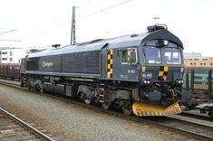 of CargoNet, The air conditioning unit is visible above the cab. Electric Locomotive, Diesel Locomotive, Japan Train, Railroad Pictures, Old Trains, British Rail, Train Journey, Diesel Engine, Transportation