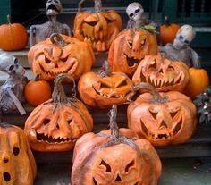 Need some creative juice to help you to carve that big pumpkin you just picked up? We have 38 great ideas to help you carve your pumpkin this Halloween. We want to give you some inspiration for carving your pumpkins Halloween Ii, Holidays Halloween, Halloween Pumpkins, Halloween Crafts, Happy Halloween, Halloween Ideas, Halloween Wreaths, Halloween Witches, Halloween Quotes