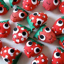 plush strawberries - mypapercrane.com