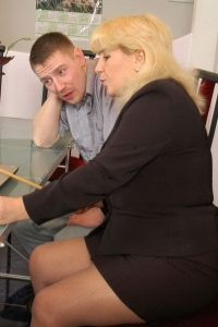 Chubby mature babe in barely visible pantyhose getting banged from behind