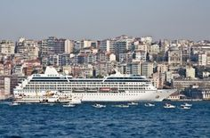 Istanbul : Exploring In A Day Ideally you could spend two weeks in Istanbul and still not get round all the historical and colourful sights. That said it is amazing what you can do in a day and fairly leisurely too, as long as you pace yourself and take advantage