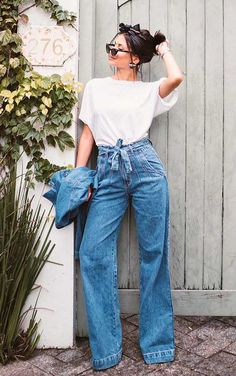 Basic and cool: 9 looks with white blouse and jeans, Mom Outfits, Jean Outfits, Casual Outfits, Fashion Outfits, Look Fashion, Fashion Clothes, Estilo Casual Chic, Casual Chic Style, Casual Jeans