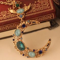 Vintage Rhinestone Inlaid Moon Pendant Sweater Chain Necklace For Women