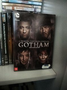 Gotham: a primeira temporada completa  Mais detalhes:https://www.dalianegra.com.br/gotham-a-primeira-temporada-completa
