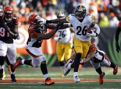 Improved line paving way for Steelers LeVeon Bell