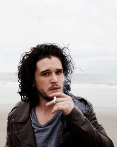 HIS HAIR. It's calling my name. Damn you, Kit Harington, damn you.