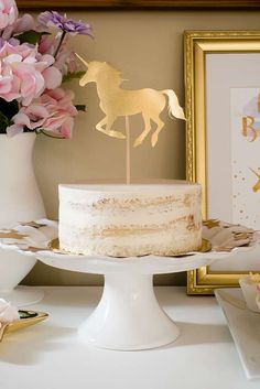 Pretty Unicorn Party - gold unicorn cake topper on a nake cake, surrounded by gold stars. 4th Birthday Cakes, Unicorn Birthday Parties, Unicorn Party, 10th Birthday, Communion, Nake Cake, Cowgirl Cakes, Happy Birthday Wallpaper, Horse Birthday
