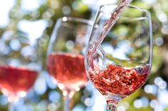 Her er de 5 vigtigste facts, du skal vide om rosévin Sauvignon Blanc, Cabernet Sauvignon, Wine Recipes, Whole Food Recipes, Healthy Recipes, Low Calorie Alcoholic Drinks, Tapas, Warm Wine, Wine Direct