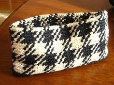 かぎ針編みでチェック模様の編みこみ もっと見る