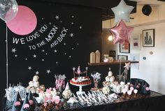 La fête d'un an de notre baby girl en mode Love you to the moon and back Space Baby Shower, Baby Shower Parties, Baby Showers, Blue Birthday, 2nd Birthday Parties, Birthday Ideas, Outer Space Party, Moon Party, Baby Dedication
