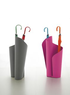 Narciso_design by Davide Bozzini for TONIN CASA. Umbrella-holder manufactured through a special metal bending procedure.