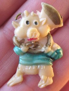 40s VINTAGE Celluloid One Of The THREE LITTLE PIGS Charm Cracker Jack Toy Prize