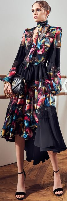 Pretty Outfits, Pretty Dresses, Beautiful Dresses, Dresses For Work, Floral Fashion, Fashion Dresses, Capsule Outfits, Couture Fashion, Casual Chic