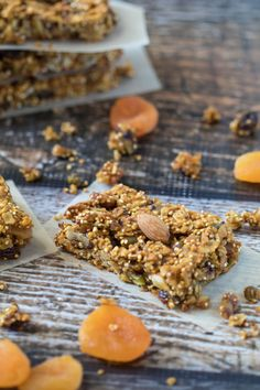 Easy, to-go breakfast bars are a must this time of year. These bars are high in protein and in fiber so they are a perfect way to kick start your day for sustained energy! Krollskorner.com #recipe #snack