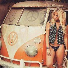 T3 Vw, Volkswagen Minibus, Volkswagen Group, Trucks And Girls, Car Girls, Classic Trucks, Classic Cars, Kombi Hippie, Volkswagen Germany