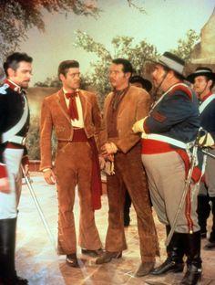 Guy Williams (ll) Zorro - Saison 2 photo 2 sur 5 Larry Wilcox, Turner Classic Movies, Classic Tv, Tarzan, Old Tv Shows, Movies And Tv Shows, Maisie Williams, The Legend Of Zorro, Westerns