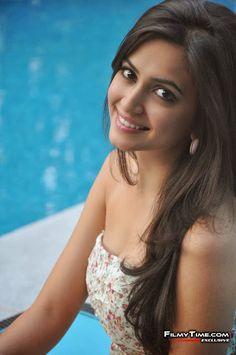 Tollywood heroine Kriti Kharbanda All Time Cute & Spicy Pics Bollywood Girls, Bollywood Actress, Beautiful Indian Actress, Beautiful Actresses, Kirti Kharbanda, Bollywood Pictures, South Actress, Cute Woman, Indian Beauty