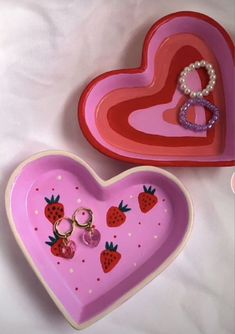 Ceramic Pottery, Pottery Art, Ceramic Art, Pottery Painting, Cute Crafts, Diy Crafts, Clay Art Projects, Cute Clay, Diy Clay