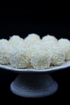 Originally these coconut balls were made by Italian company Ferrero, the same one which produces Nutella and Ferrero Rocher, but over. Quick Easy Desserts, Just Desserts, Delicious Desserts, Sweet Desserts, Bosnian Recipes, Croatian Recipes, Christmas Desserts, Christmas Baking, Holiday Baking
