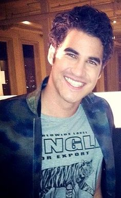 Darren being totally gorge that smile, his eyes oh my word!!