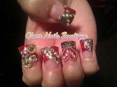 Nice. Nails. Uñas.
