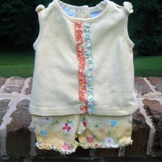 Mimiwear Ruffled with Flowers Top and Shorts - Size 0-3 Months