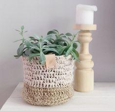 Freubelweb is de website voor iedereen die op zoek is naar gratis patronen op het gebied van haken, breien, borduren en het werken met stof, papier en vilt.