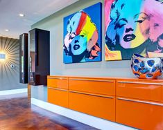 Pop art is an art movement that emerged in the s in Britain and in the late 1950 s in the United States. Pop art presented a challenge to Contemporary Hallway, Marilyn Monroe Pop Art, Modern Pop Art, Interior Decorating, Interior Design, Interior Ideas, Interior Styling, Decorating Ideas, Large Wall Art