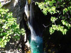 prijzen appartementen op Kreta hoe duur is Kreta prijzen op Kreta goedkoop op vakantie 2021 Waterfall, Outdoor, Greek Islands, Hiking Trails, Greece, Outdoors, Waterfalls, Outdoor Games, The Great Outdoors