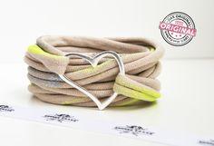 Stoffarmband gewickelt in tollem beige mit print in metallic und neon