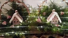Medovníky Gingerbread, Christmas Ornaments, Holiday Decor, Home Decor, Xmas Ornaments, Homemade Home Decor, Christmas Jewelry, Christmas Baubles, Decoration Home