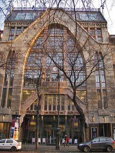 Paris Nagy Aruhaz Building, Andrassy Ut, Budapest