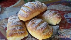 Croissant diós töltelékkel - Fotókkal   TopReceptek.hu Poppy Cake, Hungarian Recipes, Hungarian Food, Thing 1, Croissant, Hot Dog Buns, Yummy Treats, Muffin, Pork